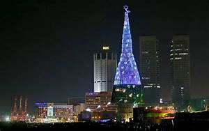 World's tallest Christmas tree in Sri Lanka - Asia Trend