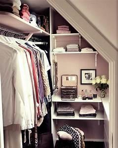 Dressing Petit Espace : 1001 id e pour un dressing sous pente gain de place ~ Teatrodelosmanantiales.com Idées de Décoration