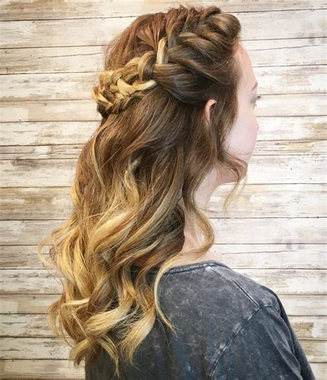 Hairstyles For Medium Hair by 29 Cutest Prom Hairstyles For Medium Length Hair For 2019