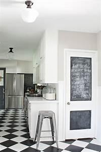 Tableau Craie Cuisine : cuisine moderne blanche et tableau noir ~ Teatrodelosmanantiales.com Idées de Décoration