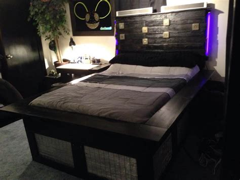 Size Pallet Bed Plans by Pallet King Size Bed With Headboard