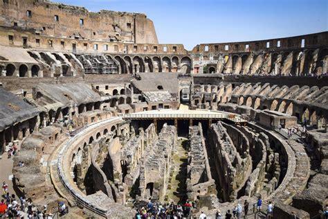 colosseum walking   roman forum palatine hill