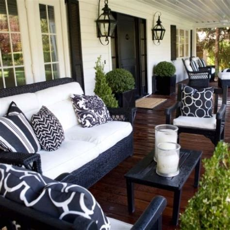 Outdoor Front Porch Furniture by Lovely Front Porch The Black Furniture And Light