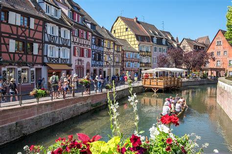 colmar alsace  guide  frances fairytale town