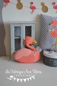 Coussin Flamant Rose : coussin forme flamant rose corail gris et dor th me tropical accessoires de maison par la ~ Teatrodelosmanantiales.com Idées de Décoration