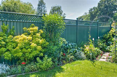 green garden fence choosing the right garden fencing for security colourfence 1374