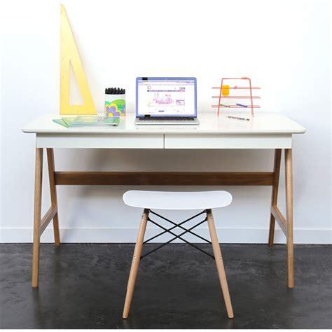 bureau vituel bureau laqué chêne blanc 120x70cm skoll look scandinave