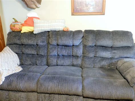 how many throw pillows on a sofa throw pillow placement
