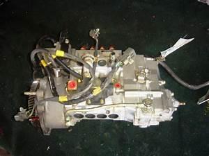 Mitsubishi Fuso Injection Pump 4d34 Me015066 2003 Used