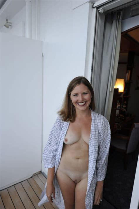 amateur Milf @ home and vacation