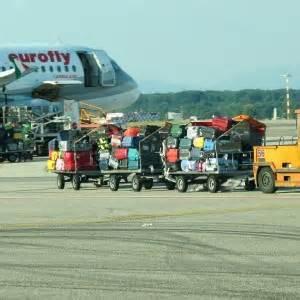 collegamenti linate pavia aeroporti 24 ore di scioperi domenica 22 cancellazioni e