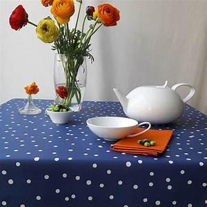 Nappe Ovale Enduite : nappe enduite ronde ou ovale confettis bleu ~ Teatrodelosmanantiales.com Idées de Décoration
