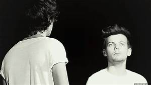 One Direction Larry GIF - Find & Share on GIPHY