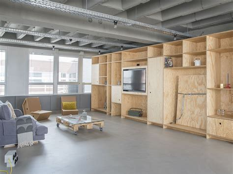 OutOfOffice Frankfurt: Modern Industrial Space for