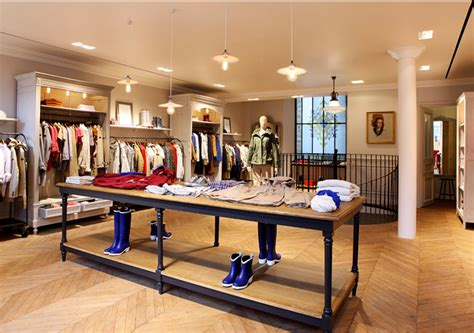 aigle flagship store paris