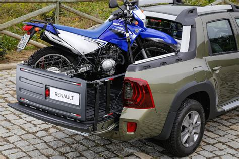 fiat toro bed renault reveals its duster derived pick up called oroch