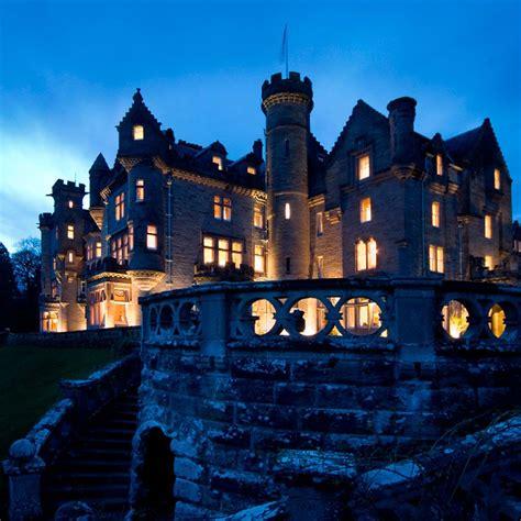 spectacular wedding venues   uk