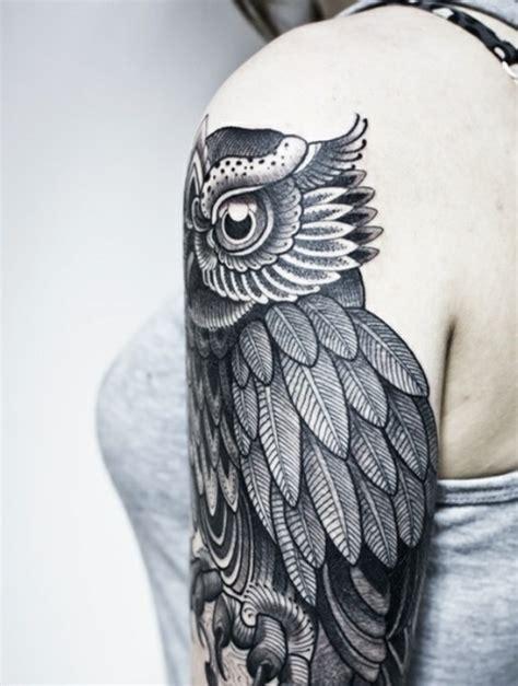 oberarm und unterarm tattoo ideen vorlagen