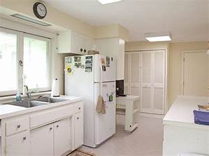Warm paint colors for kitchens pictures ideas from hgtv for Best brand of paint for kitchen cabinets with wall art decorating ideas