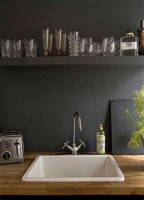 peinture pour credence cuisine crédence en peinture noir dans la cuisine contemporaine