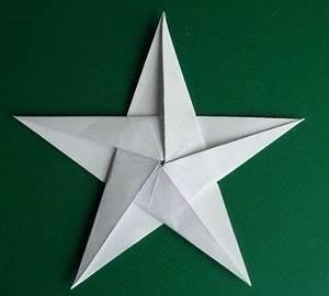 Origami Stern 5 Zacken : auf folgende seite finden sie eine anleitung f r eine origami stern die kann man ganz einfach ~ Watch28wear.com Haus und Dekorationen