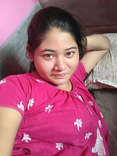 Desi Girl Full Nude Selfie