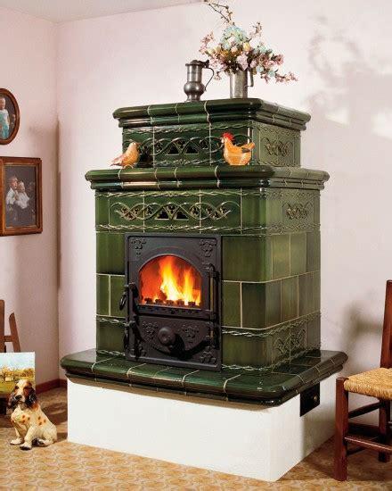 cuisine mur vert poêle à bois caloritube enzo poêles en faience oliger