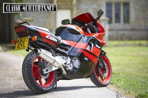 honda cbr 600 honda cbr600f road test motorbikes