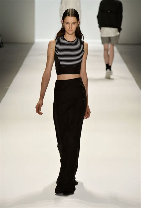 Runway Your Way How Wear Crop Tops When You Have Tummy