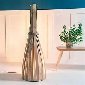 Designer Stehlampen Holz : wundersch ne stehlampen wohnzimmer design ideen ~ Indierocktalk.com Haus und Dekorationen