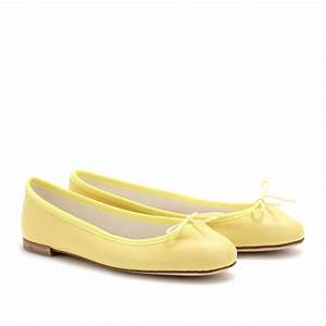 What Goes with Yellow Flats u2013 Outfit Tips u2013 careyfashion.com