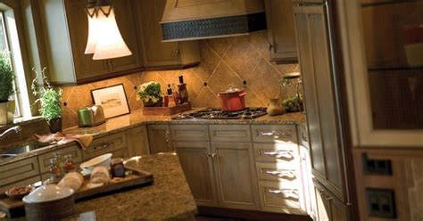 what colors are for a kitchen kitchen cabinets kitchen cabinetry photo gallery dura 9847