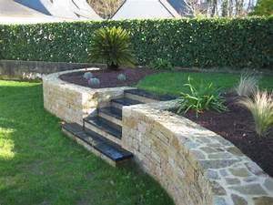 creation d39un mur en pierres seches arbor mineral With jardin en pente amenagement 1 amenagement de jardin en pente creation de soutanement 224