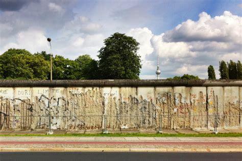 the berlin wall memorial at bernauer strasse nuberlin