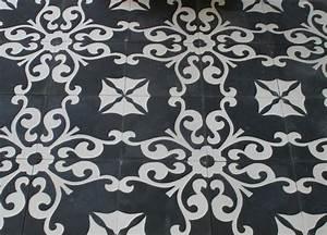 Fliesen Schwarz Weiß : zementfliese karina schwarz weiss spanische bodenfliesen ~ A.2002-acura-tl-radio.info Haus und Dekorationen