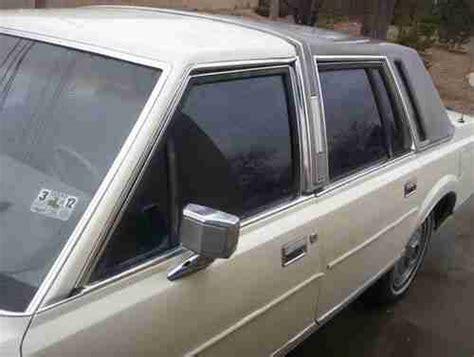 find   lincoln town car custom cream color