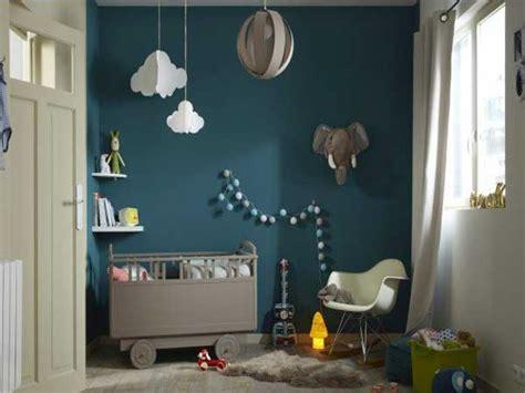 chambre peinte en bleu peinture chambre 20 couleurs déco pour repeindre ses murs