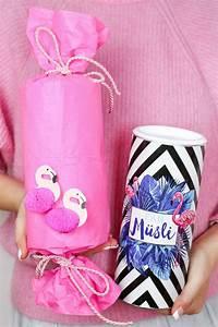 Geschenke Richtig Verpacken : diy flamingo geschenkverpackung basteln 3 kreative geschenk ideen flamingo wrapping ideas ~ Markanthonyermac.com Haus und Dekorationen