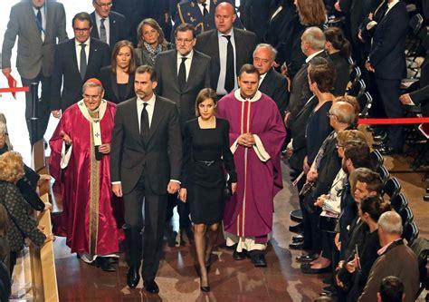 los reyes presiden el funeral de estado por las victimas