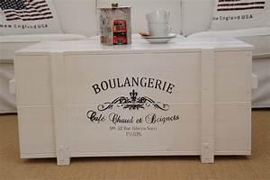 Couchtisch Vintage Weiß : truhe frachtkiste boulangerie weiss uncle joe s ~ Pilothousefishingboats.com Haus und Dekorationen