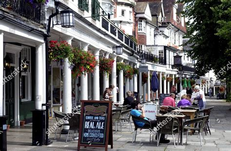 People Tables Outside Restaurant Pub Pantiles Tunbridge