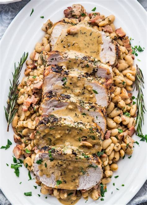 Give your christmas menu an extra touch of luxury with our new twists on traditional recipes. Traditional English Christmas Dinner Menu : Royal family's historic Christmas traditions ...