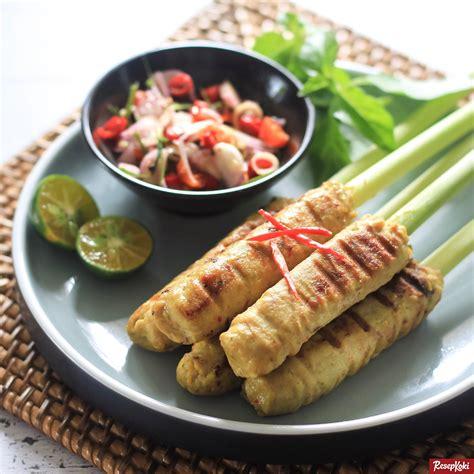 Untuk sate lilit sendiri merupakan masakan atau kuliner khas bali yang dapat di buat dari beberapa bahan utama sesuai selera. Sate Lilit Istimewa dan Praktis Asli Khas Bali - Resep | ResepKoki