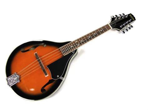 Cara memainkan alat rebana adalah dengan dipukul. 12 Contoh Alat Musik Melodis, Gambar Beserta Cara Memainkannya