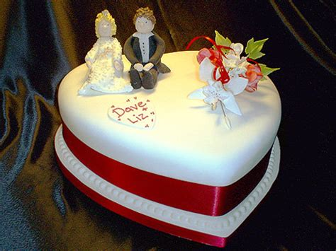 weddingspies heart shaped wedding cakes  perfect