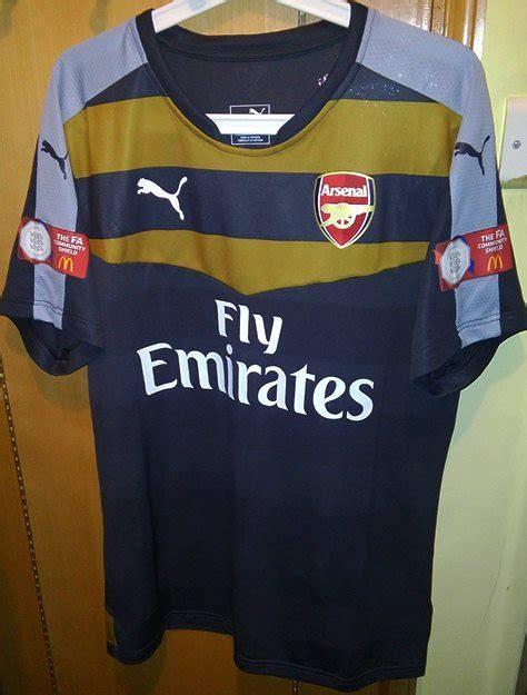 Arsenal Goalkeeper football shirt 2015 - 2016. Sponsored ...
