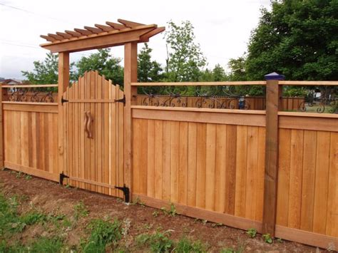 Fence - Gate : Wooden Gate Pictures