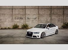 Audi RS4 Sedan B85 + AccuAir eLevel + HRE P104