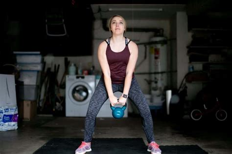 kettlebell woman weight should arms tone lift much