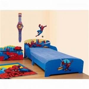 Lit Enfant 4 Ans : meubles et mobilier spiderman pour enfants d corer et meubler une chambre de gar on avec son ~ Teatrodelosmanantiales.com Idées de Décoration